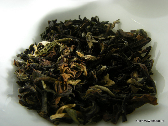 Loose Oolong Tea Leaves
